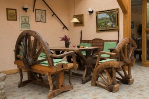 how to find southwestern rustic furniture